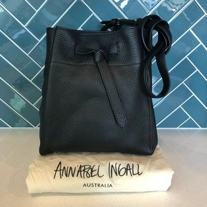 NEW Blk Lthr Annabel Ingall Georgia Bucket Bag